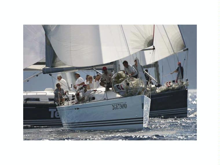 X Yachts 37