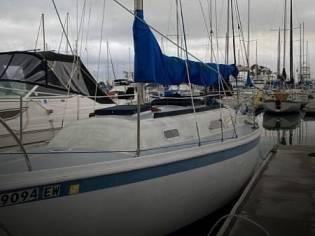 Ericson Yachts 27