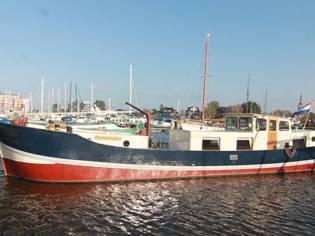 Clipper Barge