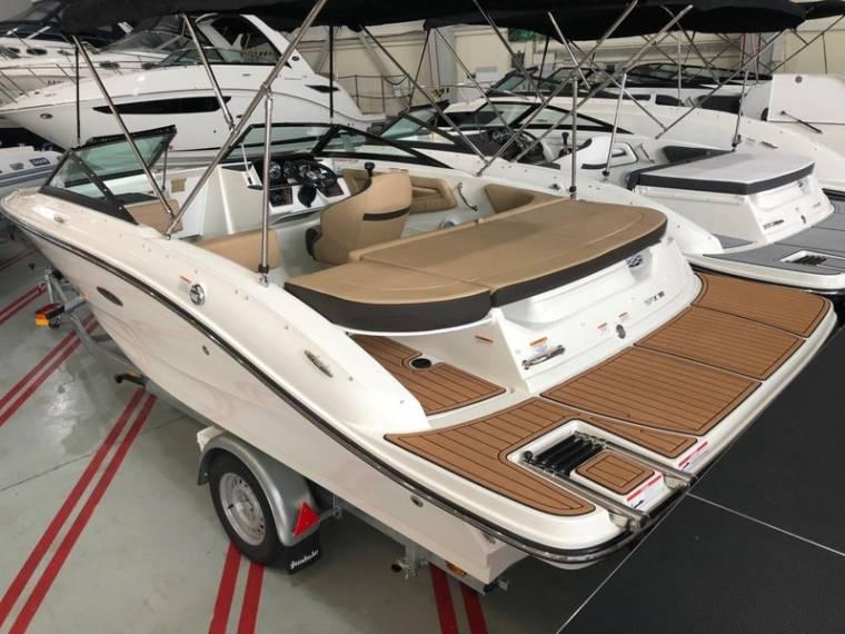 19 SPXE Motorboot
