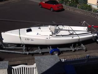 J Boats 70