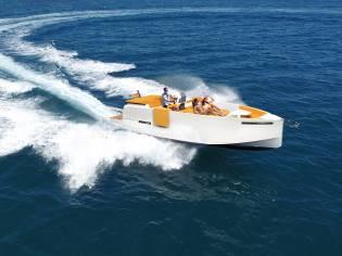 De Antonio Yachts 28 Deck