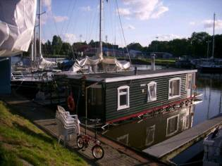 Andere Hausboot Beule