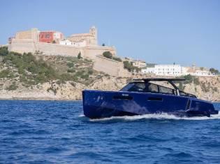 Evo Yachts 43 Blue