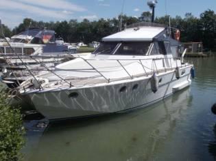 Motoryacht Posillipo - Schnelle große Martinica 42