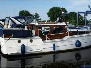 Holländische Stahlyacht