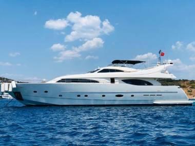 Ferretti Yachts 94 Customline