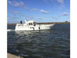 Beachcraft Motoryacht NL Werftbau(TK)