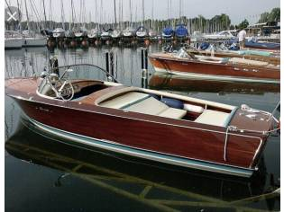 Holzboot Klassiker Piantoni Italien! (TK)