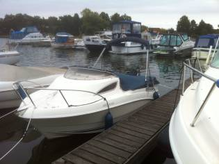 Quicksilver 430 Cabin Cruiser (TB)