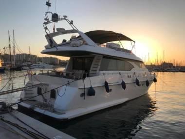 Motor Yacht Lieva 72