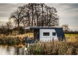 House Boat Cub Studio 1/3 Pers.