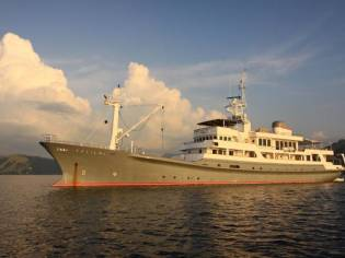 Custom Expedition Charter Yacht