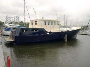 Houseboat Steel Trawler