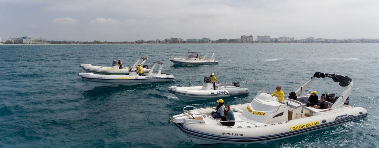 Smile Boat Rental Foto 1