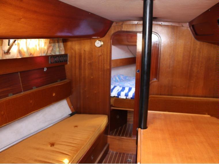 bavaria 770 in cn garraf segelschiffe preisg nstig 53685 inautia. Black Bedroom Furniture Sets. Home Design Ideas